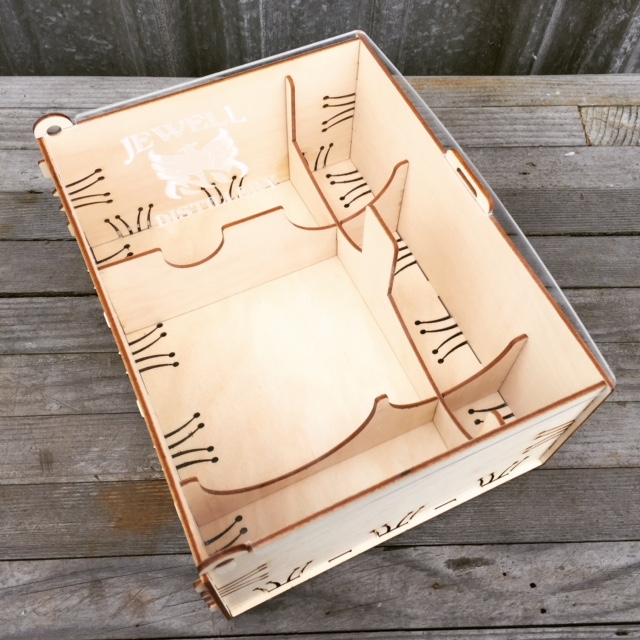 WoodLab Designs Jewell Distillery Bottle & 2 Glasses Gift Crate with laser etched Plexi lid
