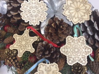 WoodLab Designs Laser etched baltic birch snow flake wood ornament